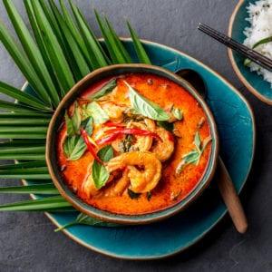 Röd Thaicurrygryta med vannamei